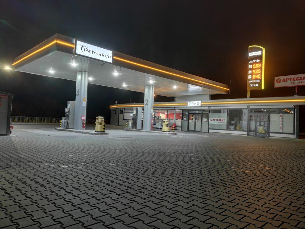 Okiem eksperta: w najbliższym tygodniu czeka nas dalsza stabilizacja cen paliw na stacjach. Analiza oraz aktualne ceny paliw.