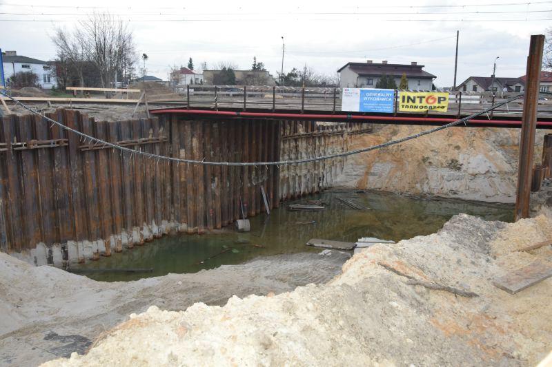 Budowa tunelu pod torami na ulicy Lubelskiej została wstrzymana!