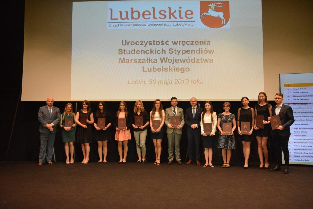 Otrzymali stypendia studenckie Marszałka Województwa Lubelskiego