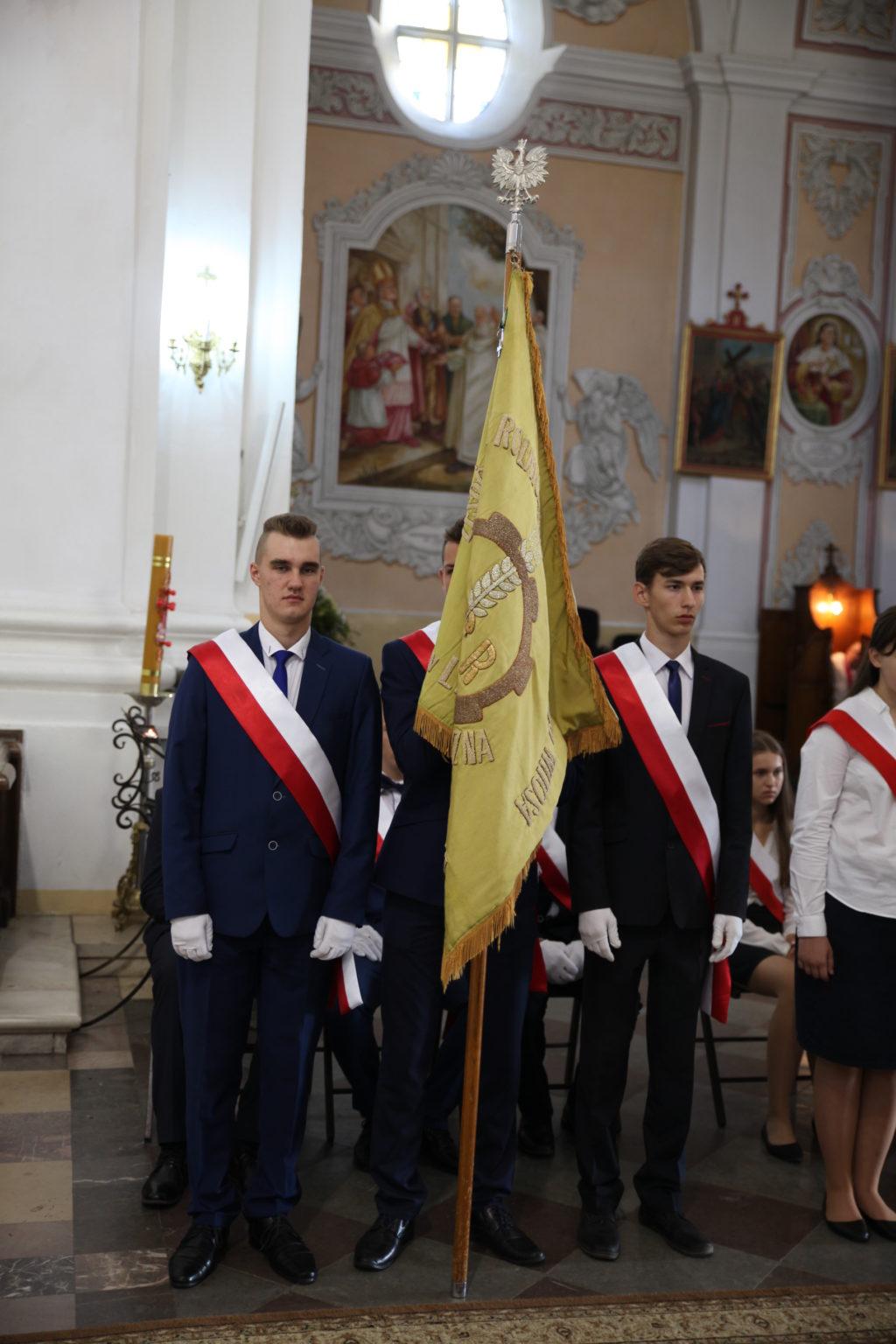 Uroczyste rozpoczęcie roku w Zespole Szkół CKR im. Wincentego Witosa