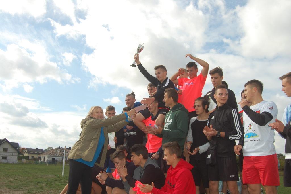 Pobiegli w powiatowym finale