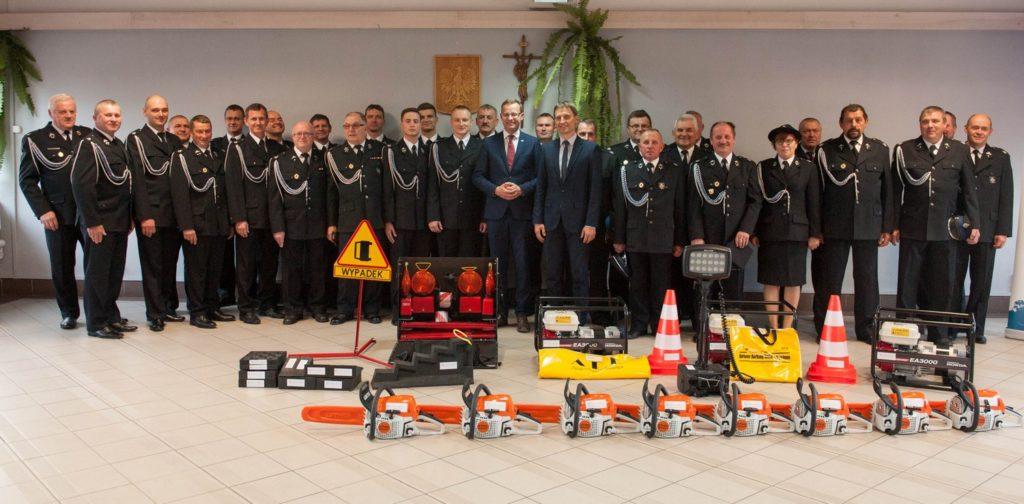 Strażacy odebrali nowy sprzęt z rąk Wiceministra Sprawiedliwości Marcina Romanowskiego