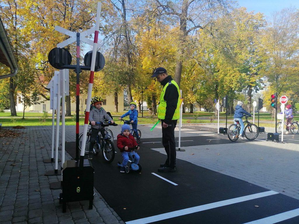 W Międzyrzecu zawitało mobilne miasteczko ruchu drogowego