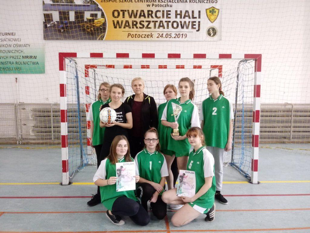 I miejsce dziewcząt w Półfinale Mistrzostw Polski Szkół Rolniczych w halowej piłce nożnej