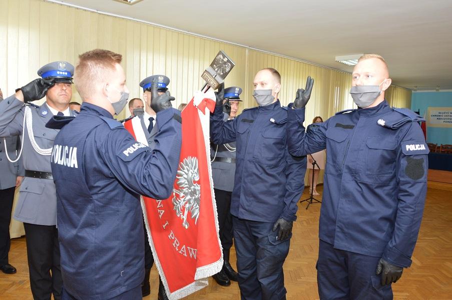Ślubowanie nowych funkcjonariuszy oraz Święto Policji w bialskiej komendzie
