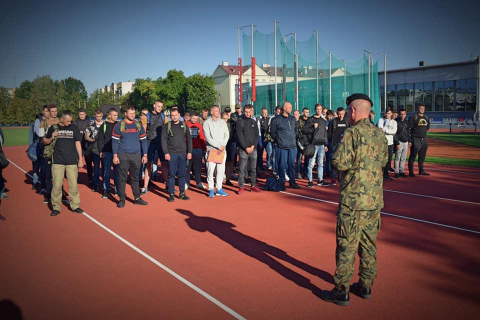 Ponad 100 kandydatów zgłosiło się do służby w garnizonie Biała Podlaska