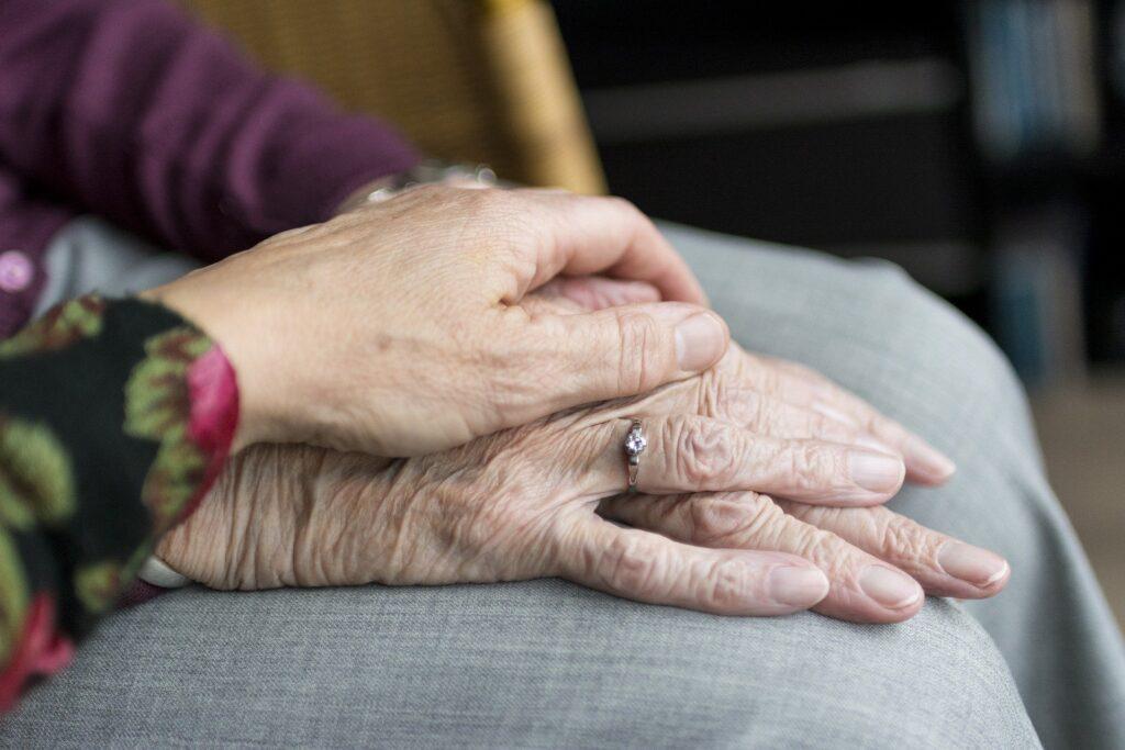 Poszukiwani są wolontariusze do opieki nad mieszkańcami domów pomocy społecznej