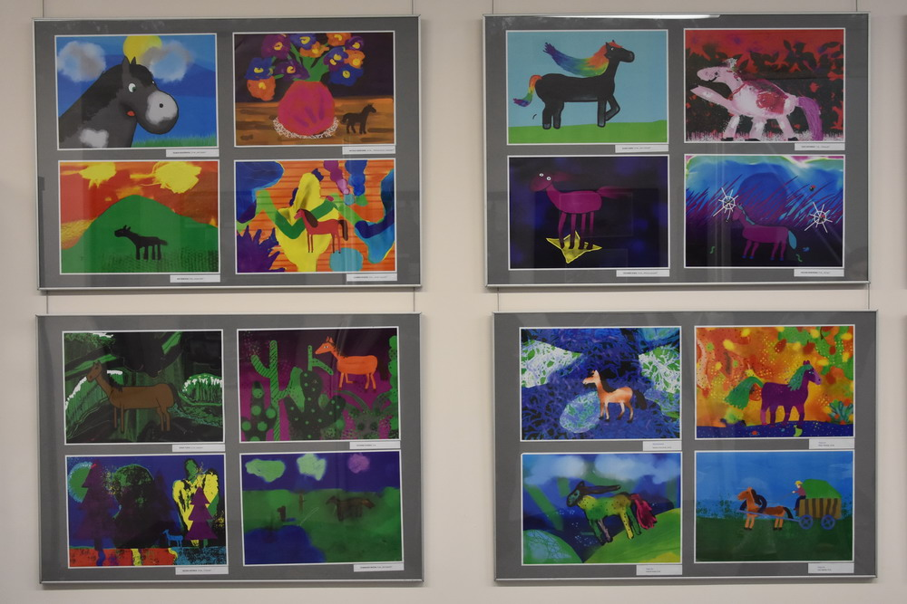 """Pracownia """"Piksel"""" z licznymi nagrodami w konkursie """"Koń jako artystyczna inspiracja"""""""