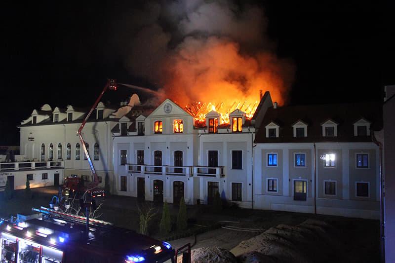 Płonął Dom Pielgrzyma w Kodniu. Ponad milion złotych strat