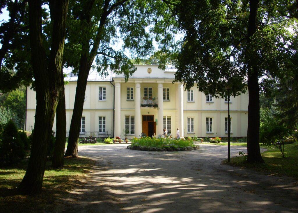 Oficyna w parku Placencja przejdzie rewitalizację