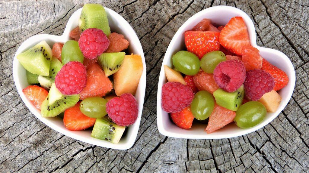 Jak zachęcić dzieci do zdrowego jedzenia poprzez artystyczne podanie?