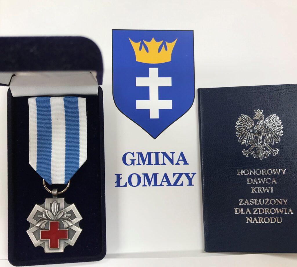 Mieszkaniec Gminy Łomazy odznaczony przez Ministra Zdrowia medalem