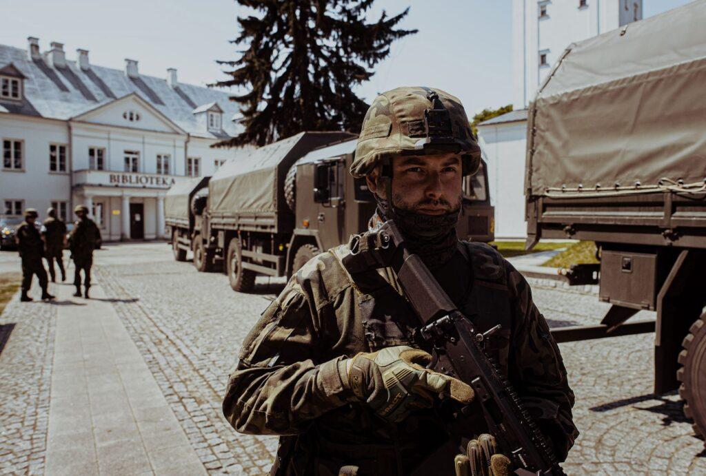 Żołnierze ewakuowali dobra kultury z muzeum. Ćwiczenia wojskowe