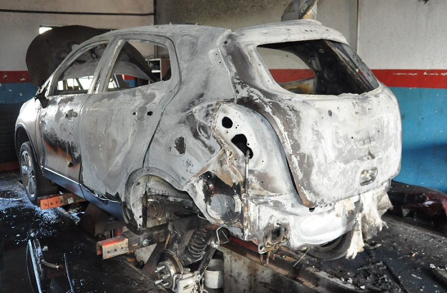 Pożar auta i warsztatu samochodowego. Wartość szkód to około 60 tys. zł
