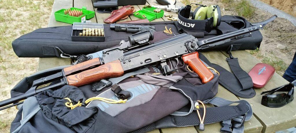 Zawody strzeleckie z okazji Święta Policji. Bialska komenda uzyskała 2. miejsce
